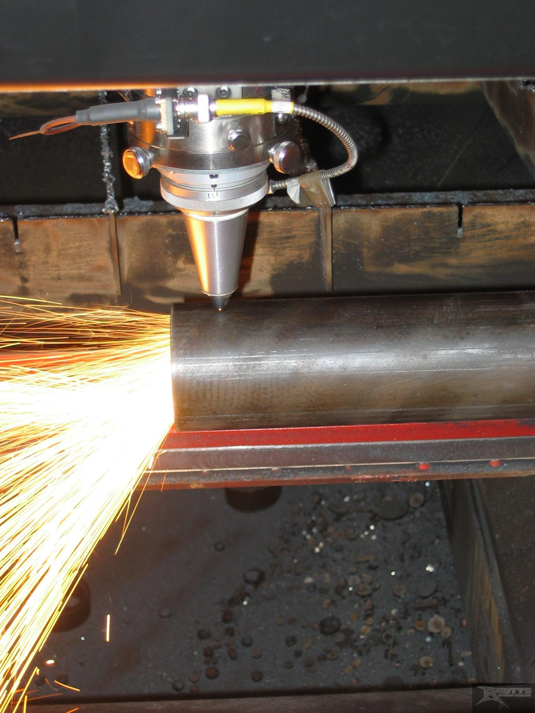Tube Cutting with Metalix